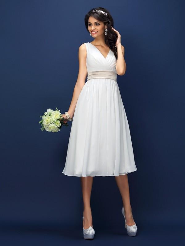 A-Line/Princess Sash/Ribbon/Belt V-neck Sleeveless Knee-Length Chiffon Bridesmaid Dresses