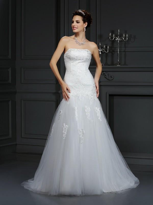 Sheath/Column Lace Strapless Sleeveless Court Train Satin Wedding Dresses