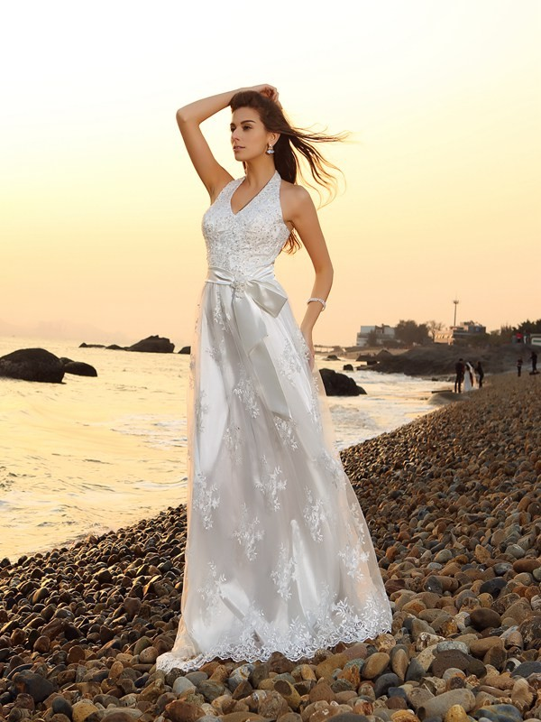 A-Line/Princess Sash/Ribbon/Belt Halter Sleeveless Chapel Train Lace Wedding Dresses