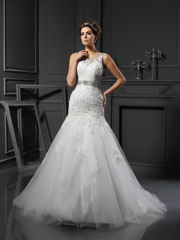 Sheath/Column Applique Scoop Sleeveless Court Train Net Wedding Dresses