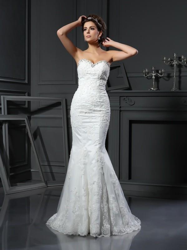 Sheath/Column Beading Sweetheart Sleeveless Court Train Net Wedding Dresses