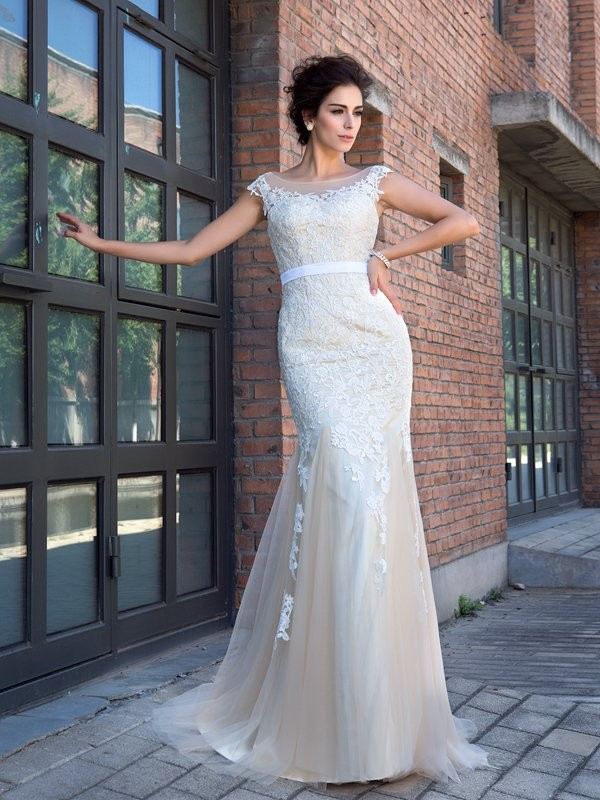 Trumpet/Mermaid Applique Sheer Neck Short Sleeves Sweep/Brush Train Net Wedding Dresses