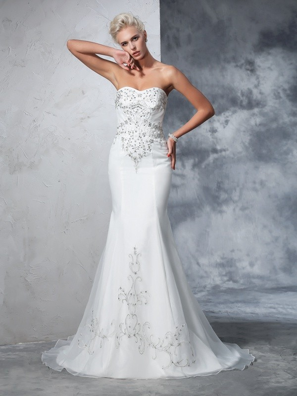 Trumpet/Mermaid Beading Sweetheart Sleeveless Court Train Satin Wedding Dresses