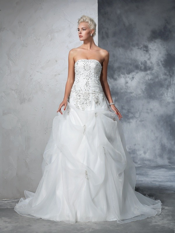 Ball Gown Beading Strapless Sleeveless Chapel Train Tulle Wedding Dresses