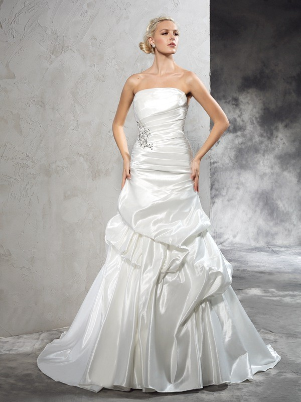 Sheath/Column Pleats Strapless Sleeveless Court Train Satin Wedding Dresses