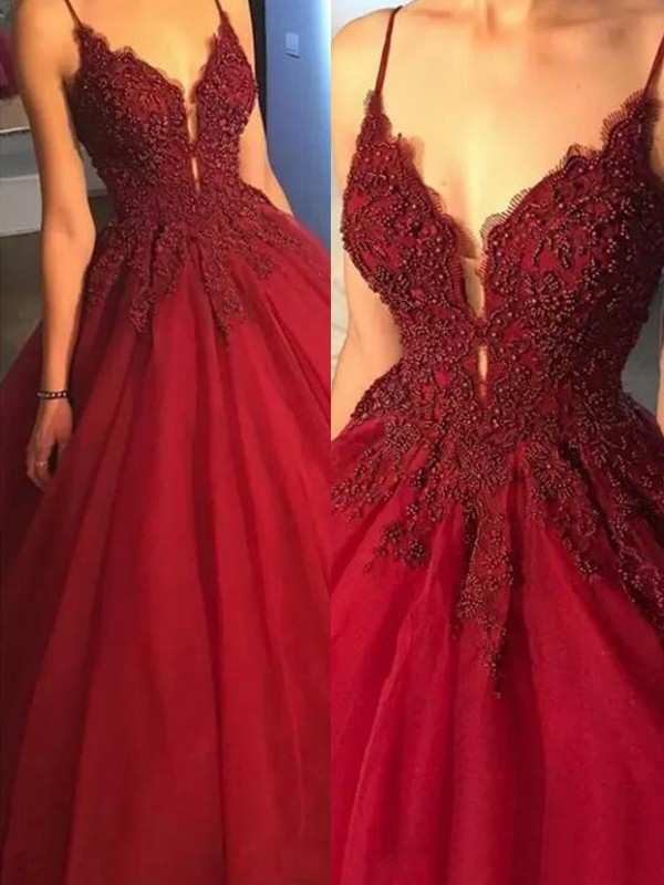 Ball Gown Sleeveless Spaghetti Straps Sweep/Brush Train Applique Tulle Dresses