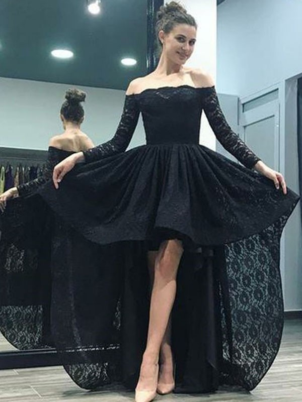 A-Line/Princess Ruffles Off-the-Shoulder Long Sleeves Sweep/Brush Train Lace Dresses