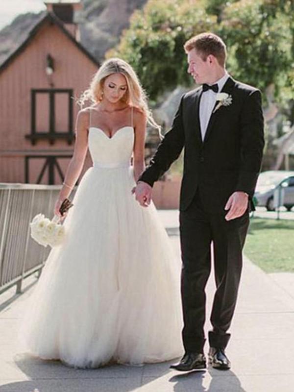 Ball Gown Sweetheart Sleeveless Sweep/Brush Train Tulle Wedding Dresses