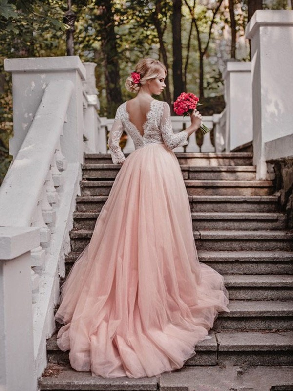 Ball Gown Applique V-neck Long Sleeves Court Train Tulle Wedding Dresses