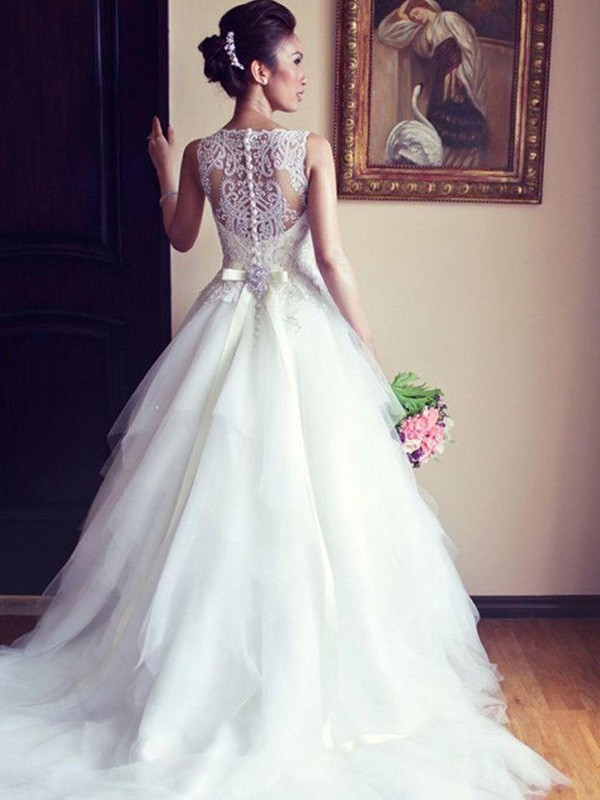 A-Line/Princess Beading Scoop Sleeveless Chapel Train Tulle Wedding Dresses
