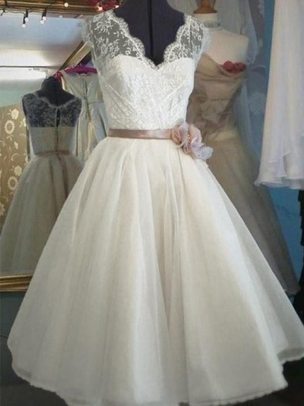 A-Line/Princess Sash/Ribbon/Belt V-neck Sleeveless Knee-Length Tulle Wedding Dresses