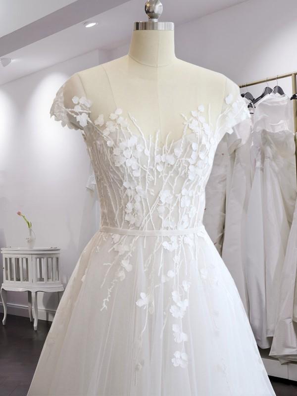 A-Line/Princess V-neck Short Sleeves Court Train Chiffon Wedding Dresses