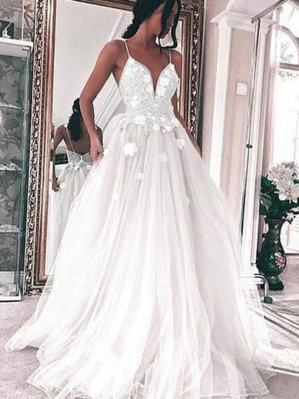 A-Line/Princess Tulle Spaghetti Straps Sleeveless Sweep/Brush Train Applique Wedding Dresses