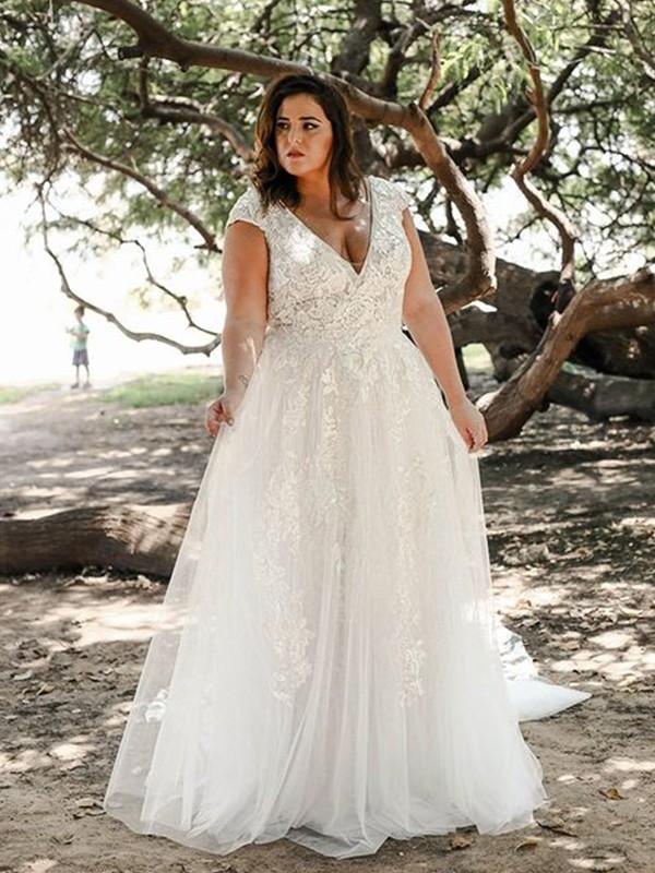 A-Line/Princess Tulle Applique Sweep/Brush Train V-neck Short Sleeves Plus Size Wedding Dresses