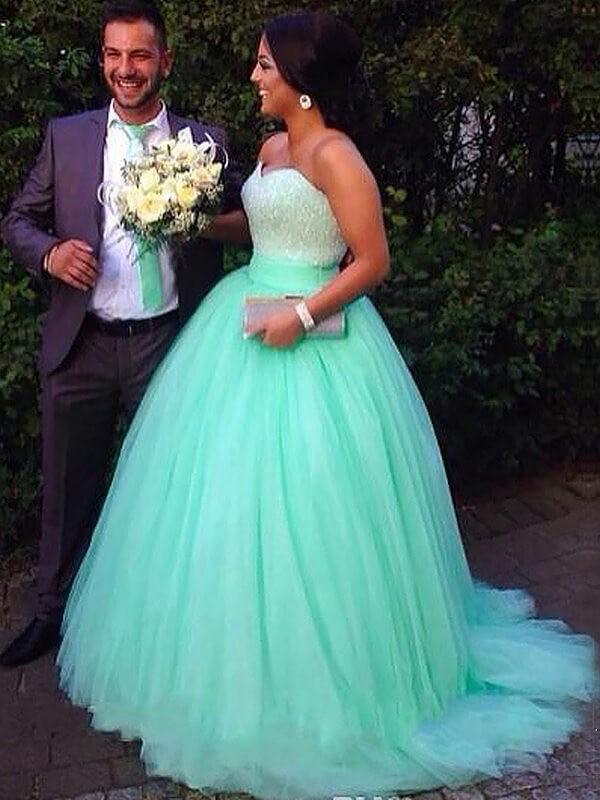 Ball Gown Beading Sweetheart Sleeveless Sweep/Brush Train Tulle Plus Size Dresses