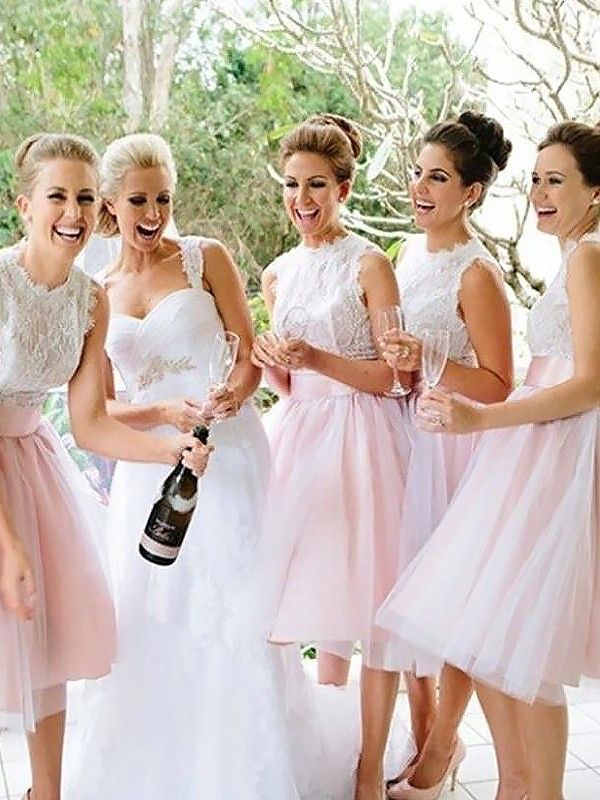 A-Line/Princess Lace Scoop Sleeveless Knee-Length Tulle Bridesmaid Dresses