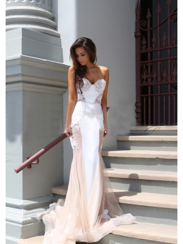Trumpet/Mermaid Applique Sweetheart Sleeveless Chapel Train Tulle Dresses