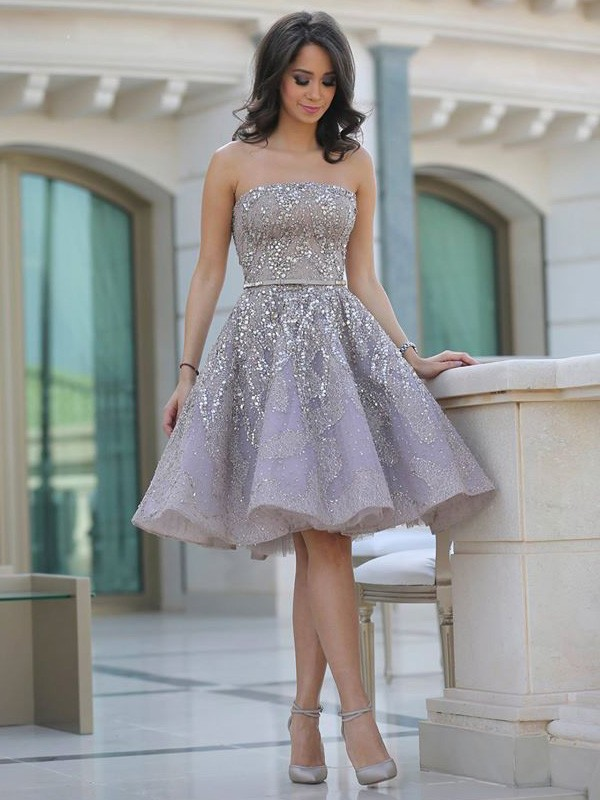A-Line/Princess Sequin Strapless Sleeveless Knee-Length Tulle Dresses
