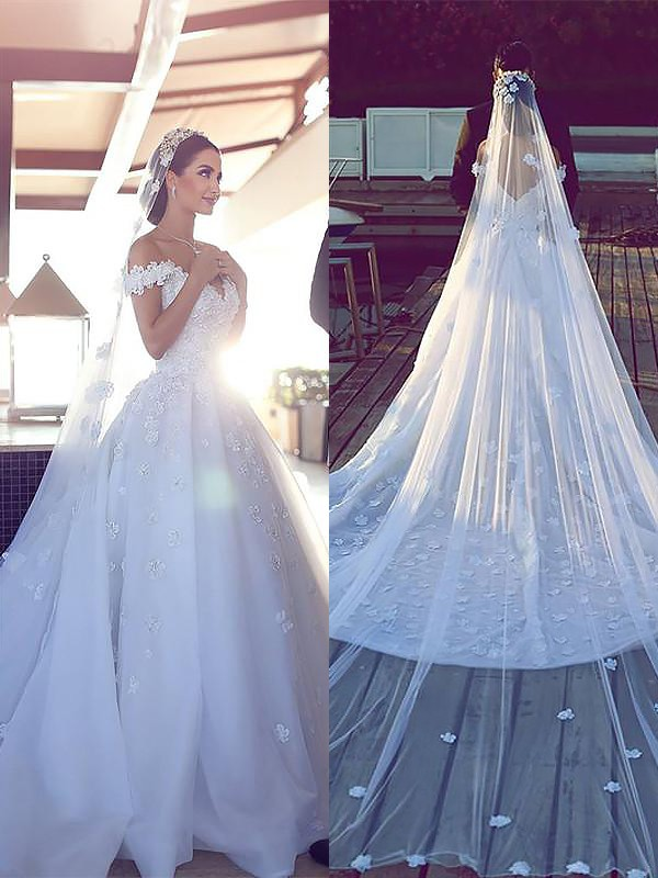 Ball Gown V-neck Sleeveless Chapel Train Satin Chiffon Wedding Dresses